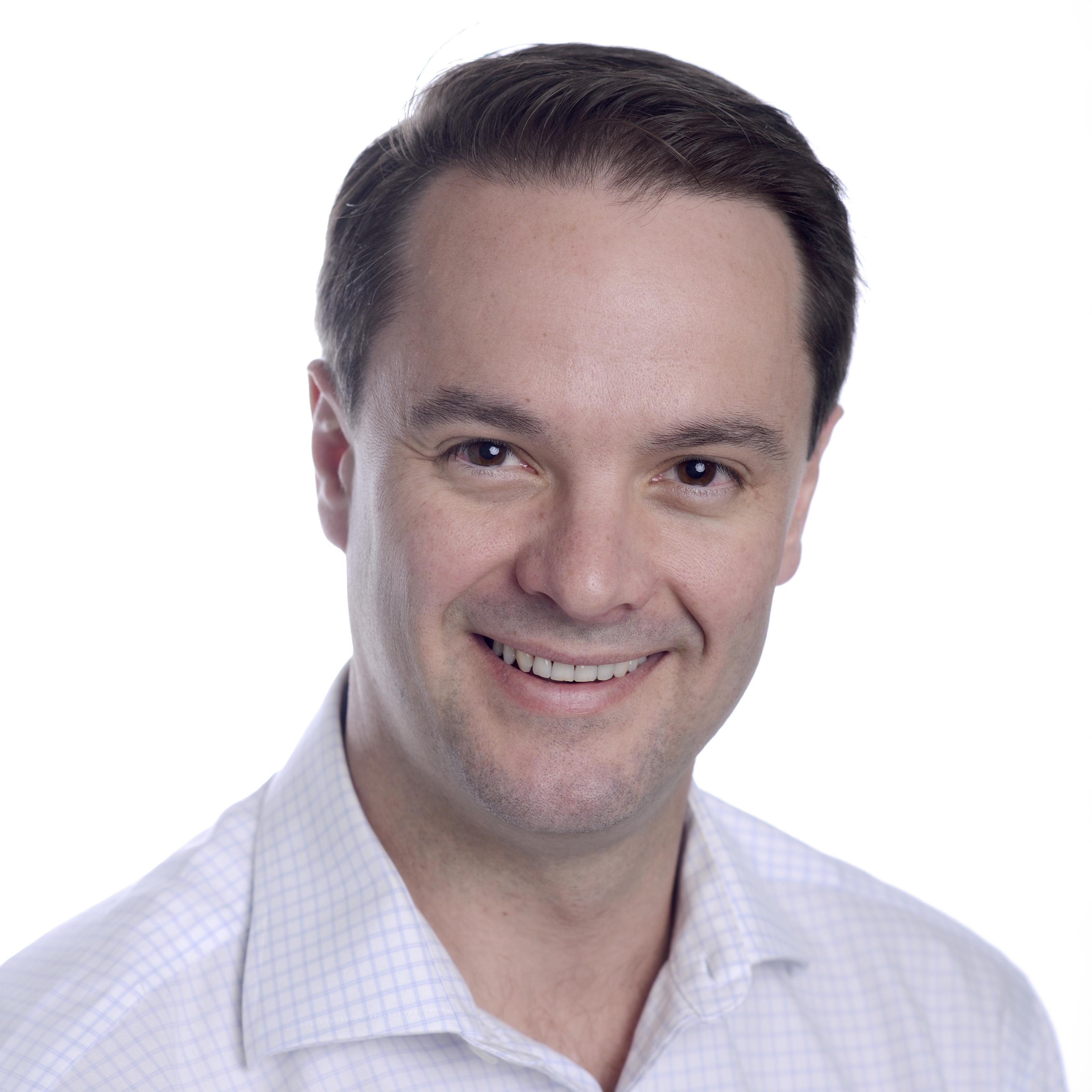 Dr. Simon Kos, MBBS, BSc, MBA